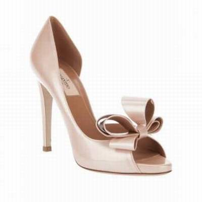 valentino chaussures site officiel chaussure valentino pas cher copie chaussures valentino. Black Bedroom Furniture Sets. Home Design Ideas